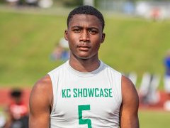 JUNIOR COVER STANDOUT DEFENSIVE BACKS OF KANSAS TO KNOW ('22)